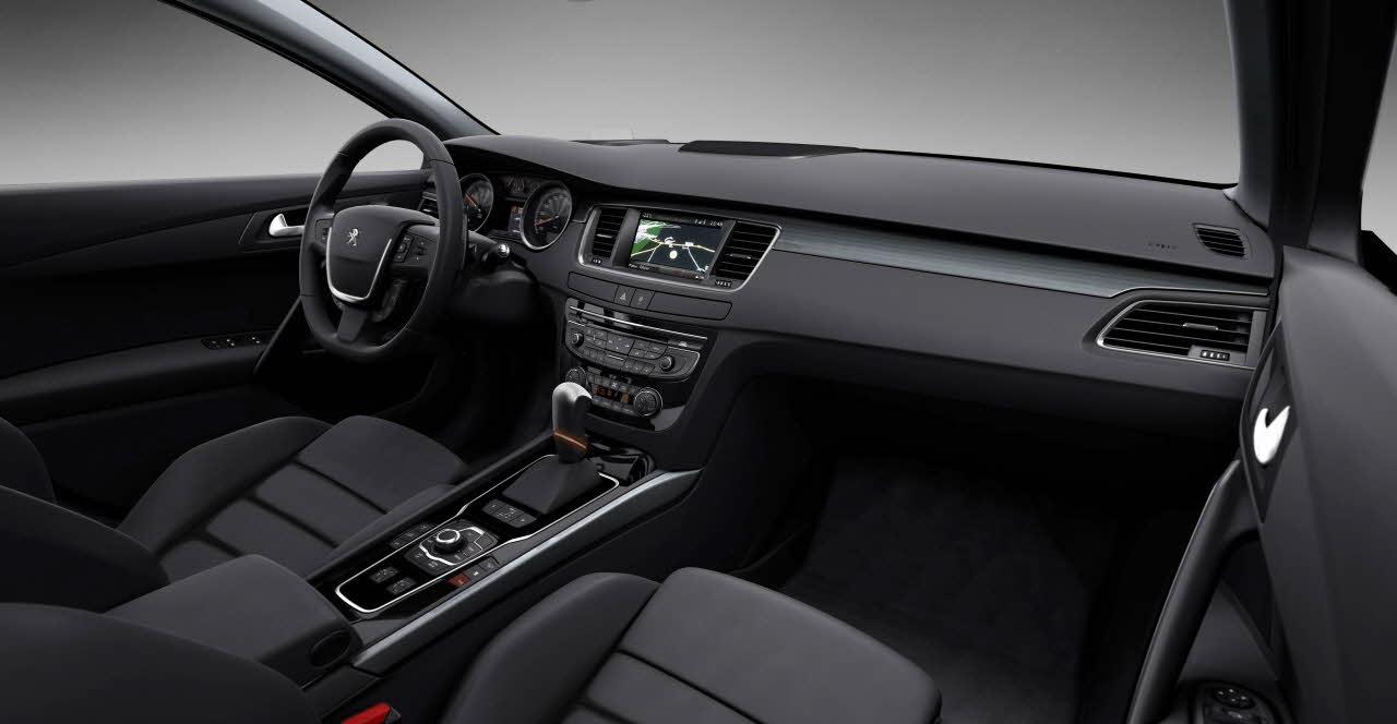 Peugeot 508 sw bij autobedrijf m lijzenga damwoude for Interieur 508 gt